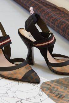 Fendi весна лето 2018 туфли на каблуке