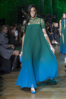 Elie Saab весна лето 2019 длинное зеленое платье