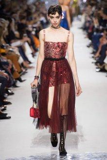 Christian Dior весна лето 2019 красное платье