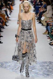 Christian Dior весна лето 2019 платье металлик