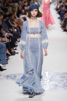 Christian Dior весна лето 2019 голубое платье