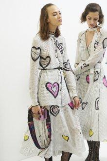 Christian Dior весна лето 2019 платье с сердечками