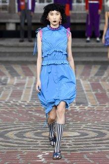 Kenzo весна лето 2018 голубое платье
