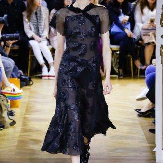 John Galliano весна лето 2018 черное платье