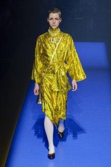 Gucci весна лето 2018 блестящее платье