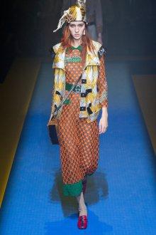 Gucci весна лето 2018 оранжевое платье