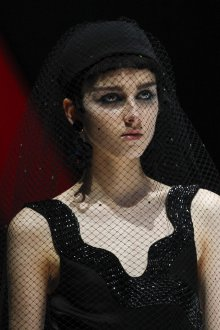 Giorgio Armani весна лето 2019 шляпа