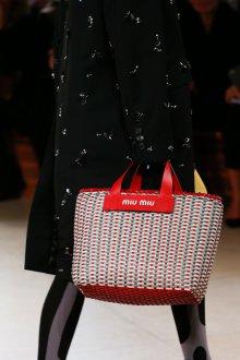 Miu miu весна лето 2018 плетеная сумка