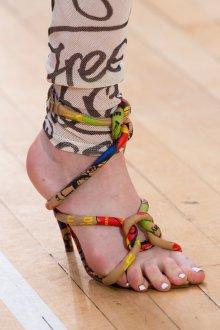 Vivienne Westwood весна лето 2019 туфли на каблуке