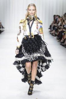Versace весна лето 2018 асимметричная юбка