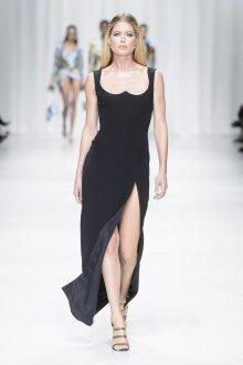 Versace весна лето 2018 длинное платье