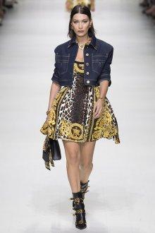 Versace весна лето 2018 джинсовка