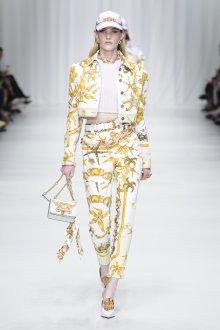 Versace весна лето 2018 кепка