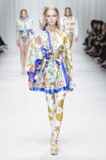 Versace весна лето 2018 комбинированное платье