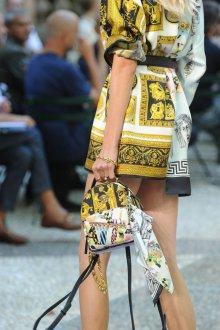 Versace весна лето 2018 мини сумка