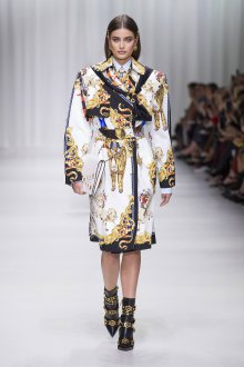 Versace весна лето 2018 пальто