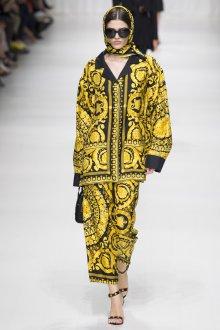 Versace весна лето 2018 костюм с принтом