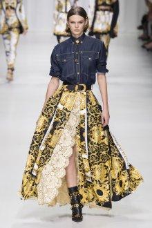 Versace весна лето 2018 юбка с кружевом