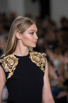 Versace весна лето 2018 вышивка