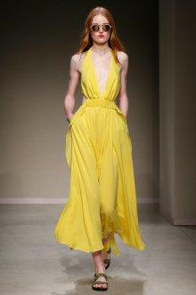 Trussardi весна лето 2019 платье желтое