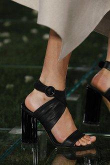 Salvatore Ferragamo весна лето 2021 черные туфли