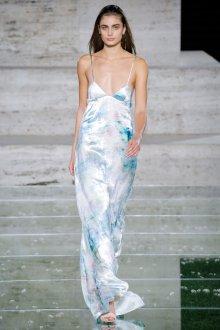 Salvatore Ferragamo весна лето 2021 длинное платье