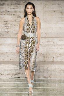 Salvatore Ferragamo весна лето 2021 платье под змею