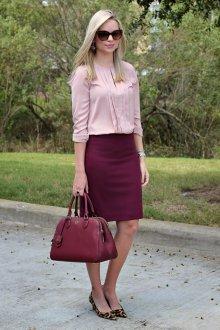 Бордовая юбка деловая