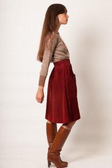 Бордовая юбка с карманами