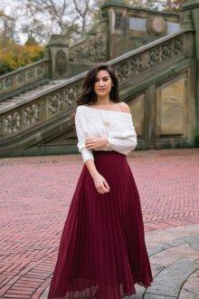 Бордовая юбка с кофтой