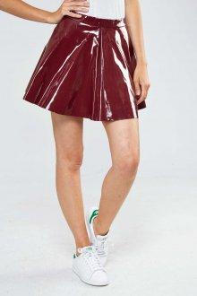 Бордовая юбка лаковая