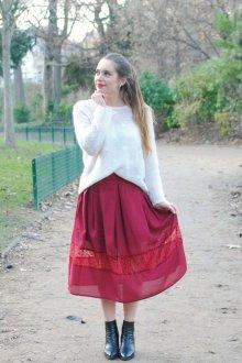 Бордовая юбка миди