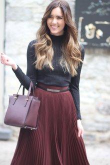 Бордовая юбка модная
