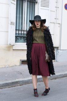 Бордовая юбка с чем носить