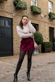 Бордовая юбка со свитером оверсайз