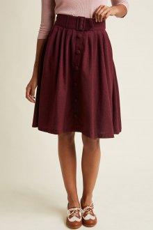 Бордовая юбка с пуговицами