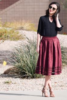Бордовая юбка сочетание