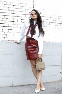 Бордовая юбка тенденции