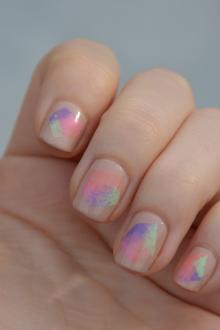 Маникюр в пастельных цветах