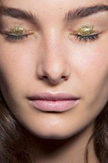 Золотой макияж блестящий