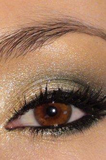 Золотой макияж с черным