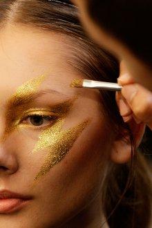 Золотой макияж для фотосессий