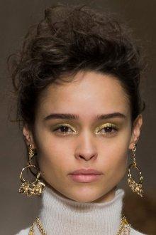 Золотой макияж для карих глаз