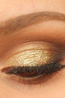 Золотой макияж с коричневым