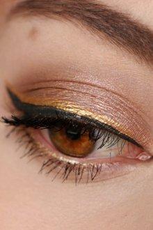 Золотой макияж минималистичный