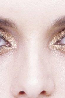 Золотой макияж с розовым