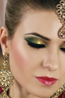 Золотой макияж восточный