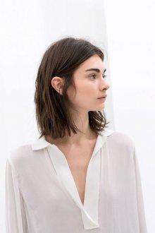 Стрижка на средние волосы 2019 ровная