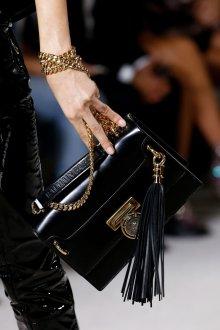 Кожаная сумка женская маленькая на цепочке