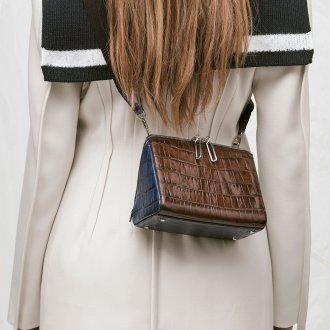 Кожаная сумка женская через плечо